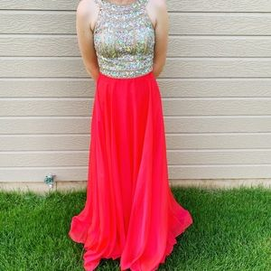 BEAUTIFUL PROM/PAGEANT GOWN, SIZE 2